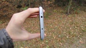 Horní strana (Xiaomi Redmi Note 3)