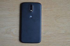 Zadní strana telefonu Lenovo Moto G4