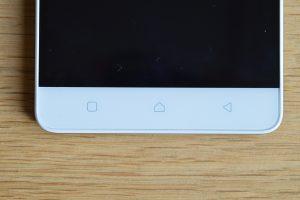 Lenovo Vibe K5 Note senzorická tlačítka