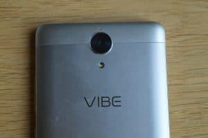 Lenovo Vibe K5 Note čočka fotoaparátu