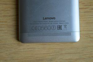 Lenovo Vibe K5 Note repráček na zadní straně