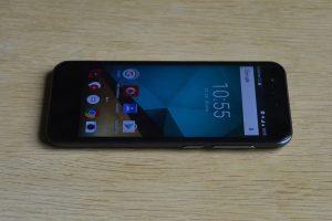 Vodafone Smart prime 7 - displej z boku