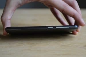Vodafone Smart prime 7 - Pravý bok