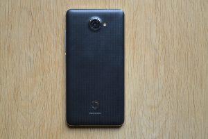 Vodafone Smart ultra 7 - zadní strana