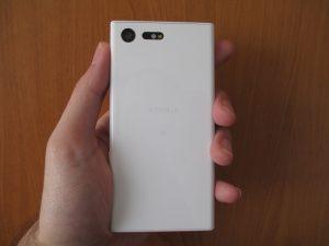 Sony Xperia X Compact - zadní strana