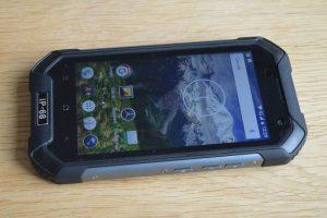iGet Blackview BV6000 pohled z boku