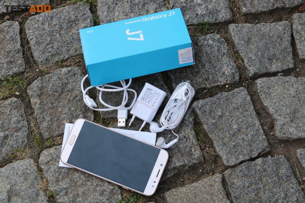 Samsung Galaxy J7 2017 - obsah balení