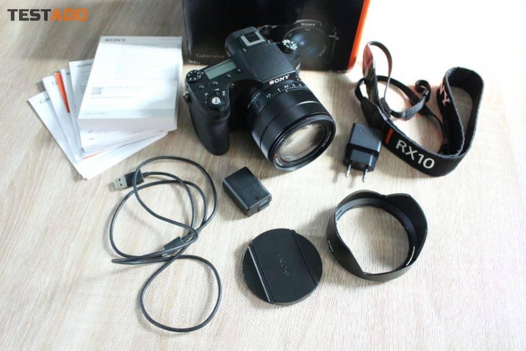 Sony Cyber-Shot DSC-RX10III - obsah balení
