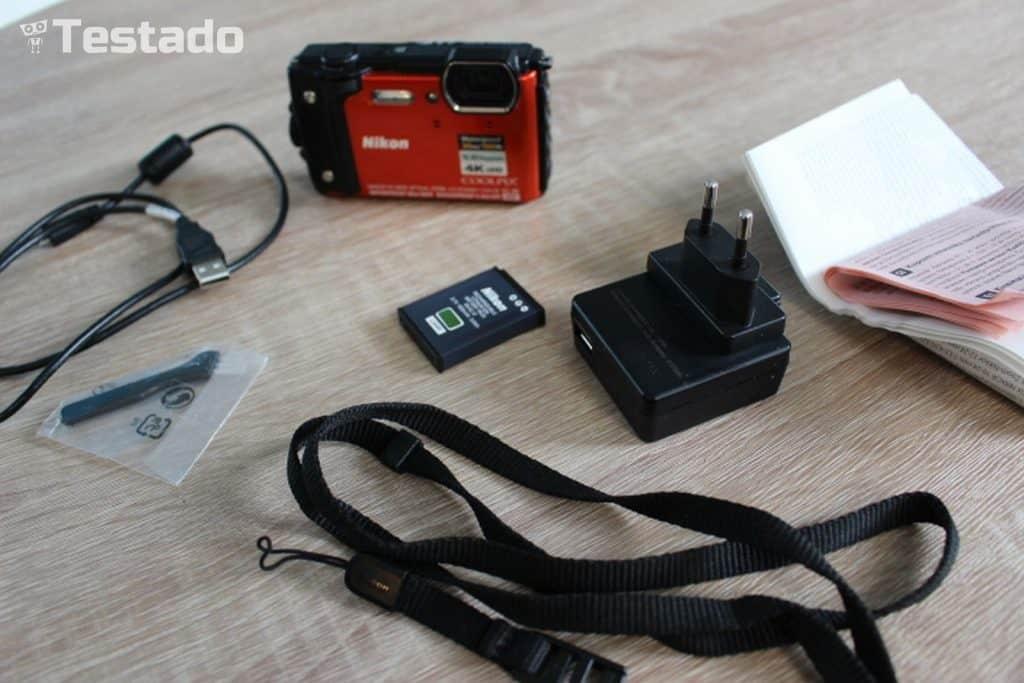 Nikon Coolpix W300 - obsah balení