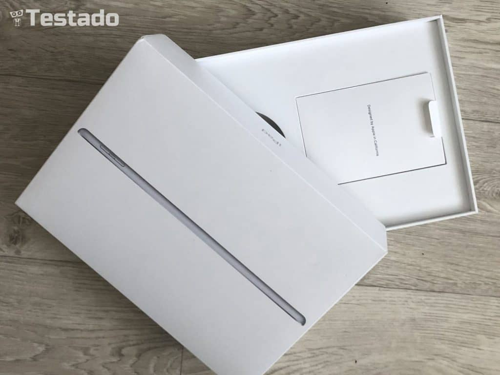 Apple iPad 9.7 2018 - obsah balení