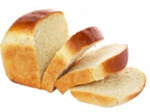 bílý chléb z pekárny