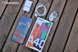Recenze Samsung Galaxy A40 obsah balení