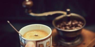 Nejlepší mlýnky na kávu – recenze, návody a rady jak vybrat