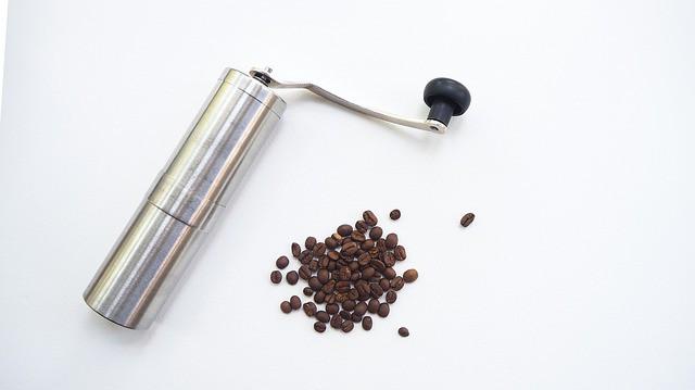 Ruční vs. elektrický mlýnek na kávu