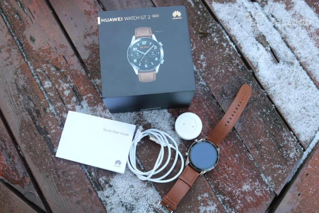 Recenze a test chytrých hodinek Huawei Watch GT 2 - obsah balení