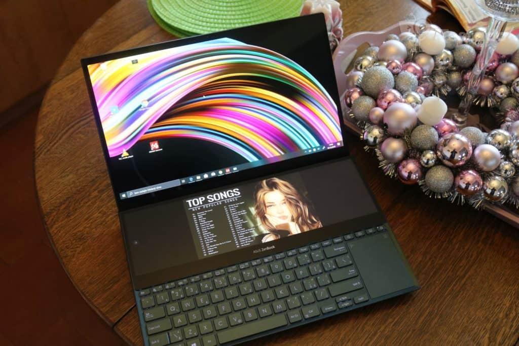 Asus ZenBook Pro Duo recenze