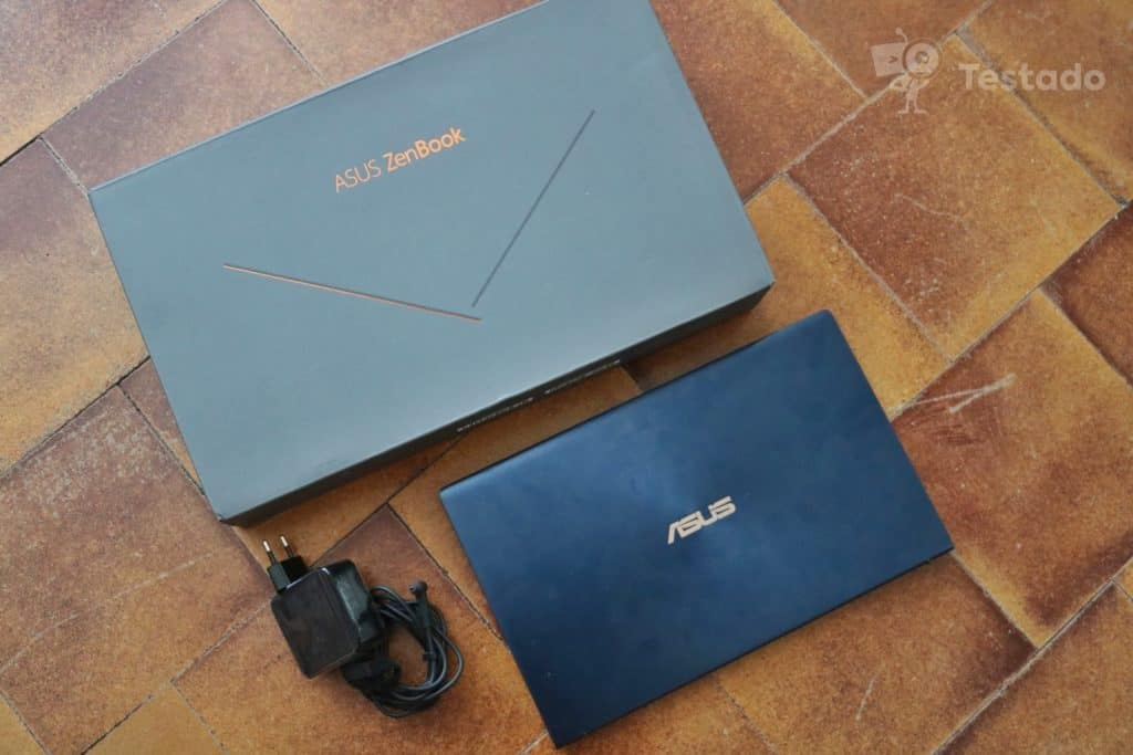 Asus ZenBook 14 (UX434FL) - recenze a zkušenosti - obsah balení