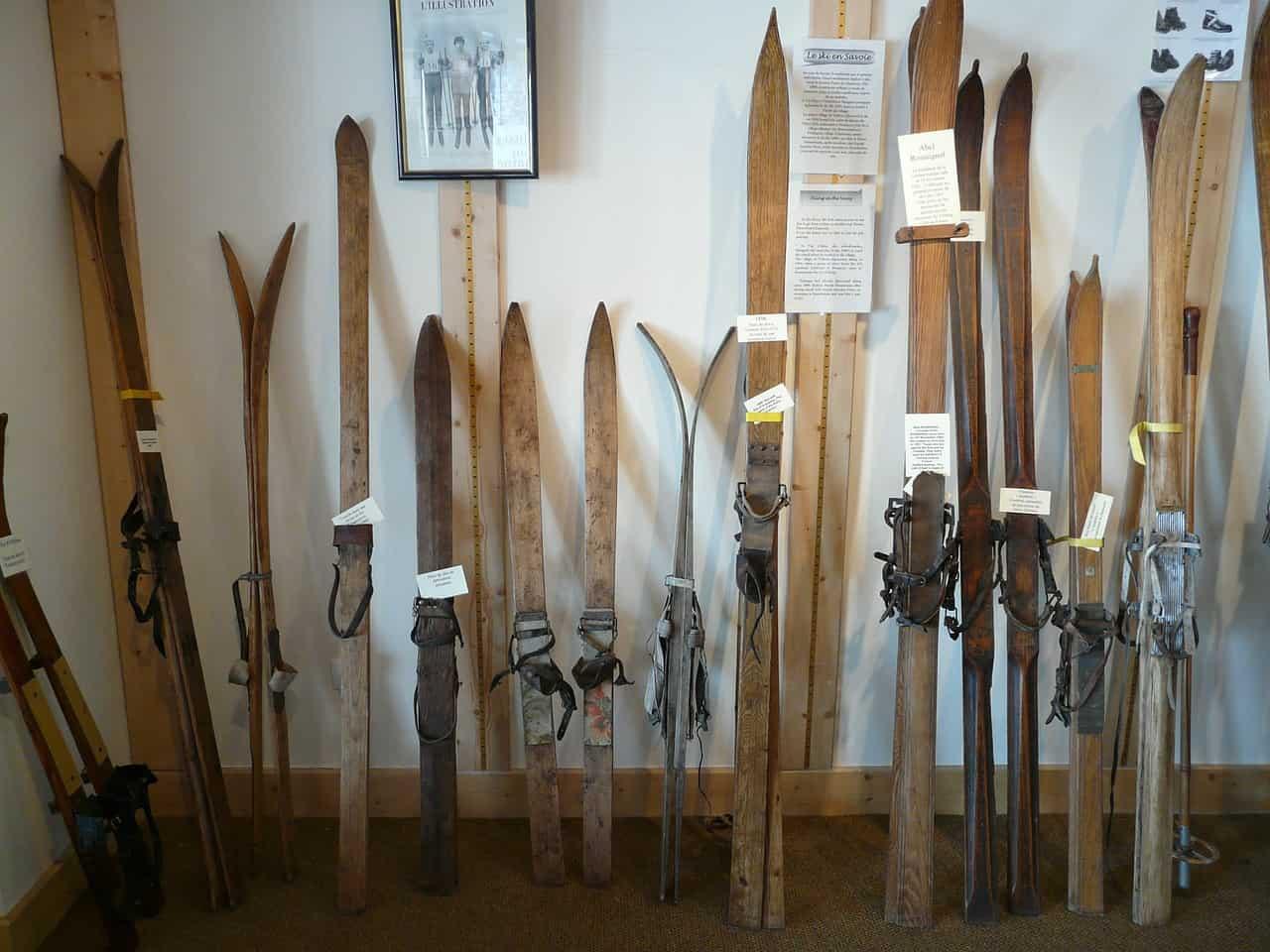 běžecké lyže historie