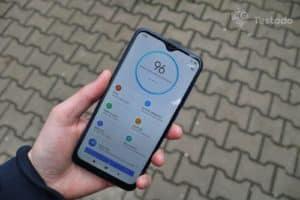 Recenze Xiaomi Redmi 8 - levný mobil