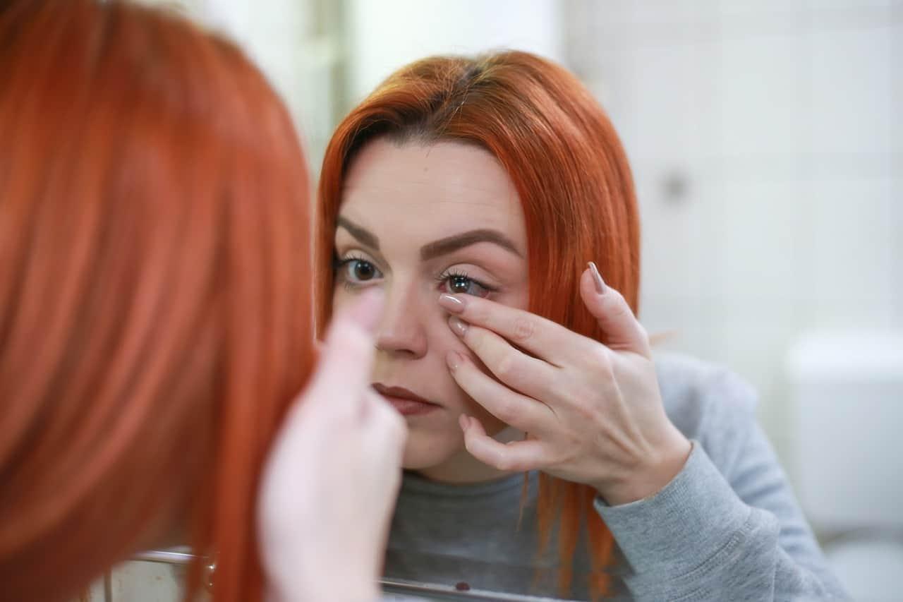 kontaktní čočky jak aplikovat