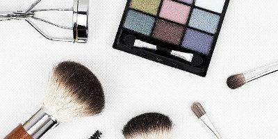 Nejlepší make-upy – recenze, testy a návod jak vybrat