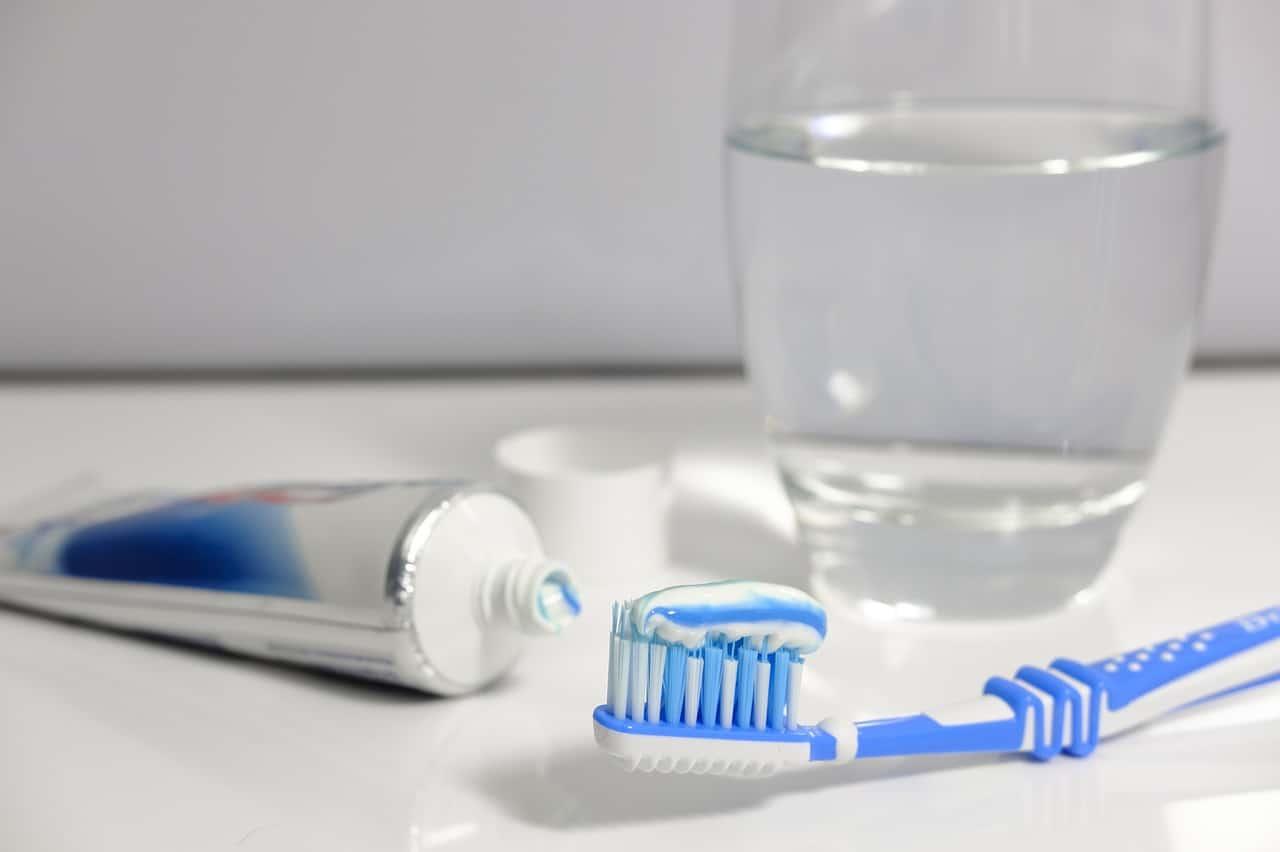 pasta na zuby speciální