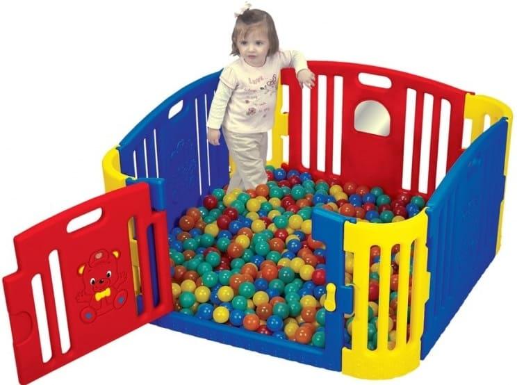 dětská ohrádka se dnem a s míčky