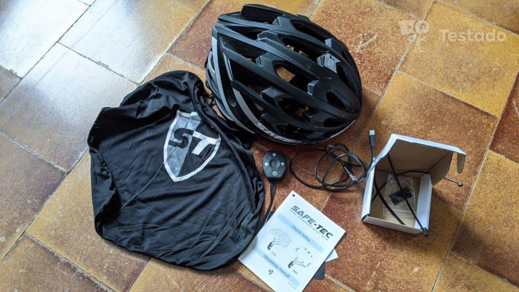 Recenze helmy Safe-Tec TYR 3 - obsah balení