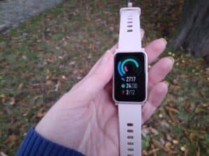 chytré hodinky HONOR Watch E displej
