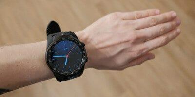 Recenze chytrých hodinek TicWatch Pro 2020