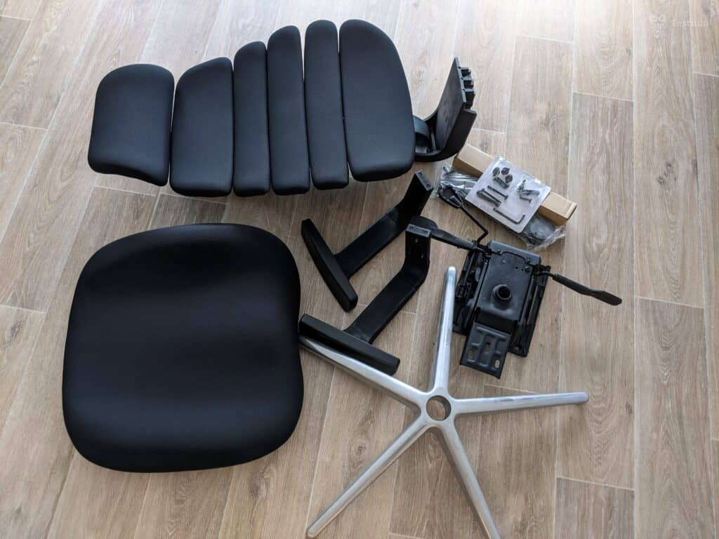 Recenze kancelářské židle SPINE obsah balení
