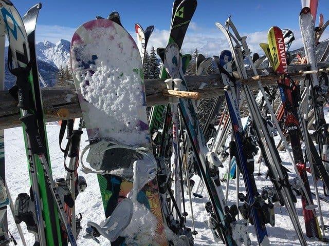 Materiál - snowboard