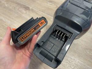 test tyčového vysavače Black & Decker BHFEV182CP