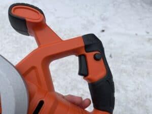 ruční okružní pila Black & Decker BES510