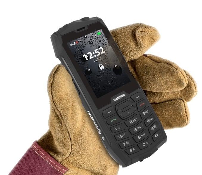 test odolného tlačítkového telefonu myPhone Hammer 4