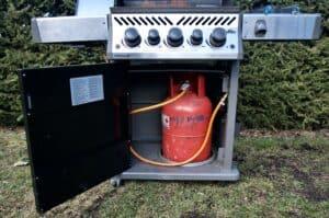 test a hodnocení plynového grilu Napoleon ROGUE SE 425