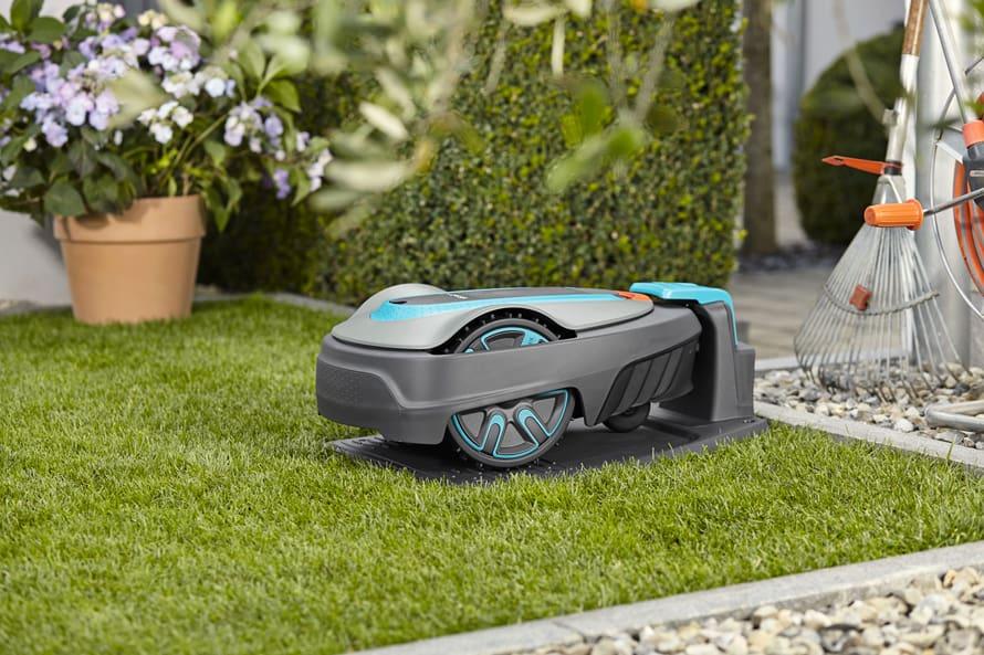 nabíjení zahradní robotické sekačky Gardena Sileno city 400
