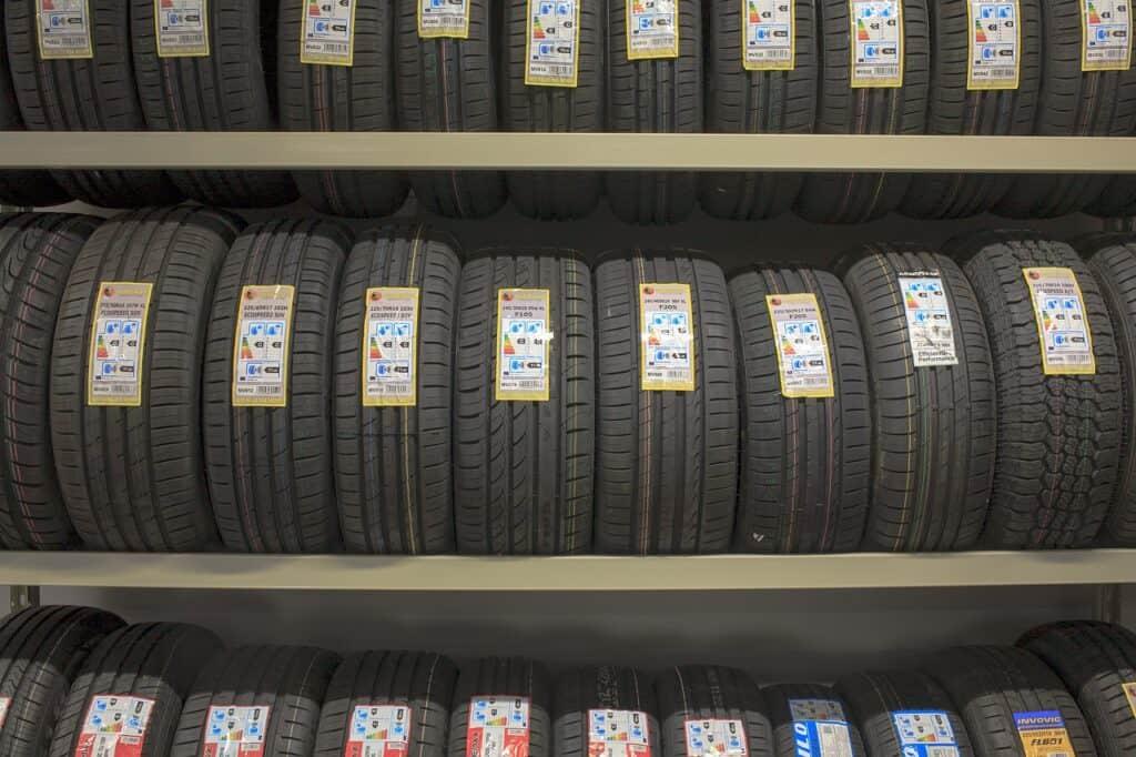 Typy dezénu letních pneu na automobil