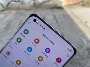 Xiaomi Mi 11 - recenze AMOLEDu