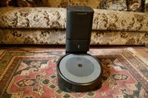 Recenze iRobot Roomba i3+