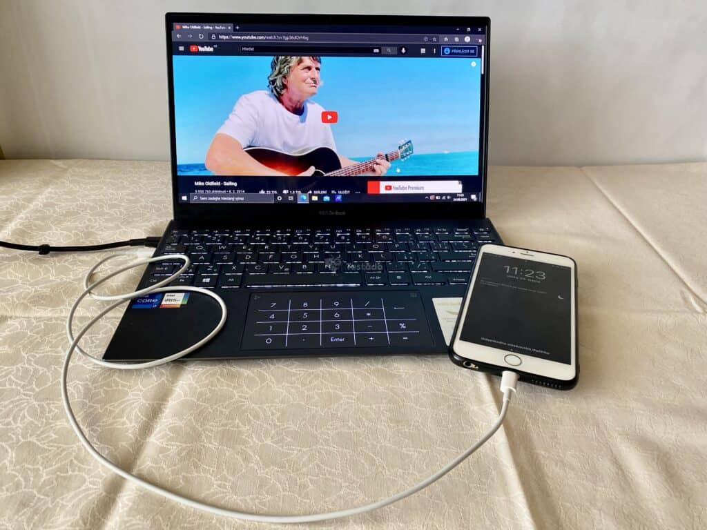 recenze Asus ZenBook 13 OLED UX325 - test