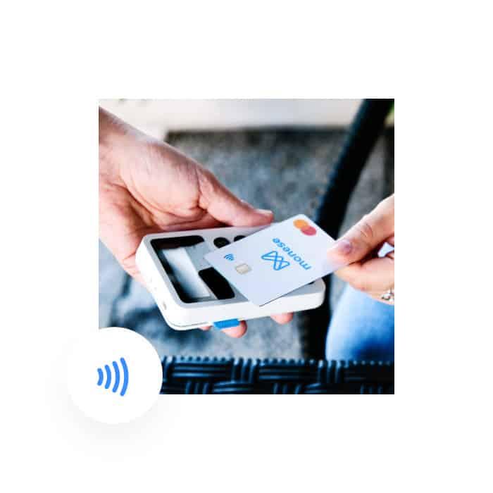 bezkontaktní platby Monese recenze