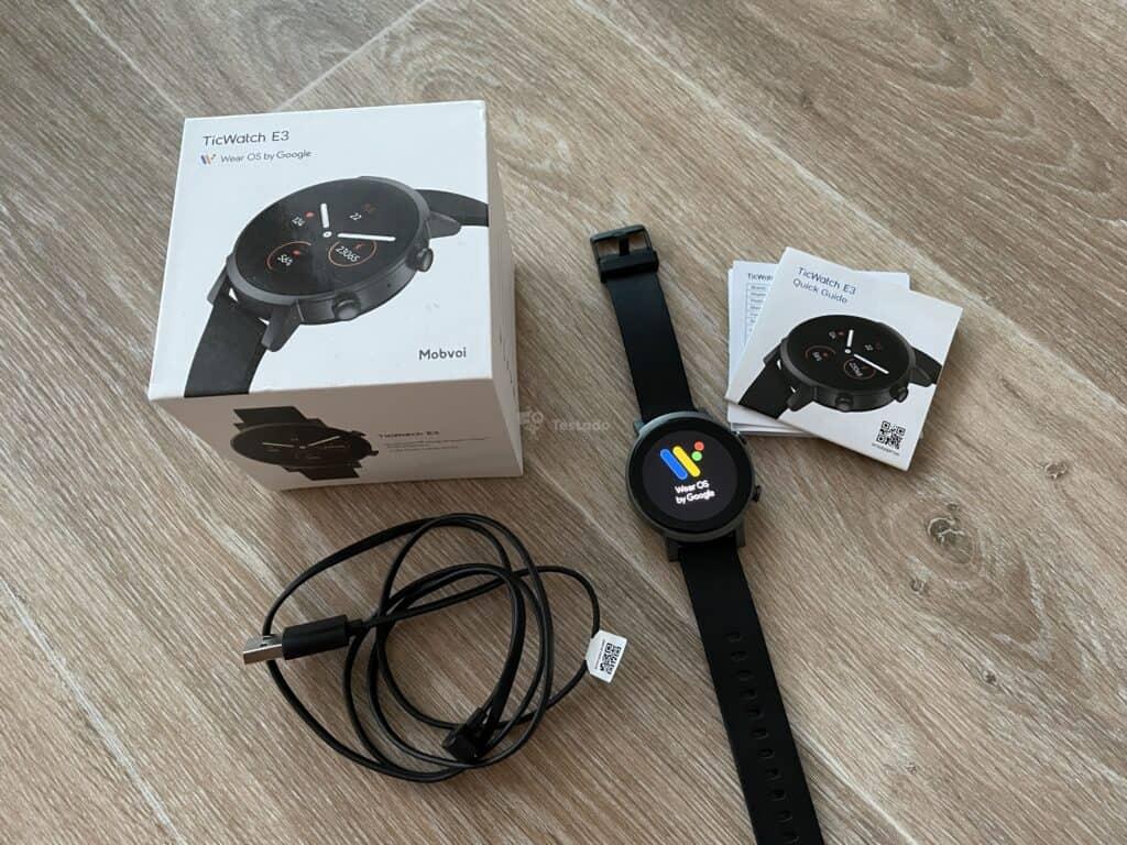 Recenze hodinek TicWatch E3 - základní balení