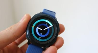 Recenze chytrých hodinek Samsung Gear Sport